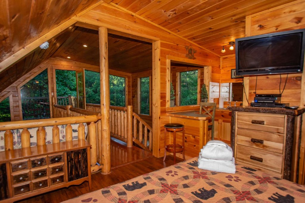 Photo of a Gatlinburg Cabin named Too Cozy - This is the sixteenth photo in the set.