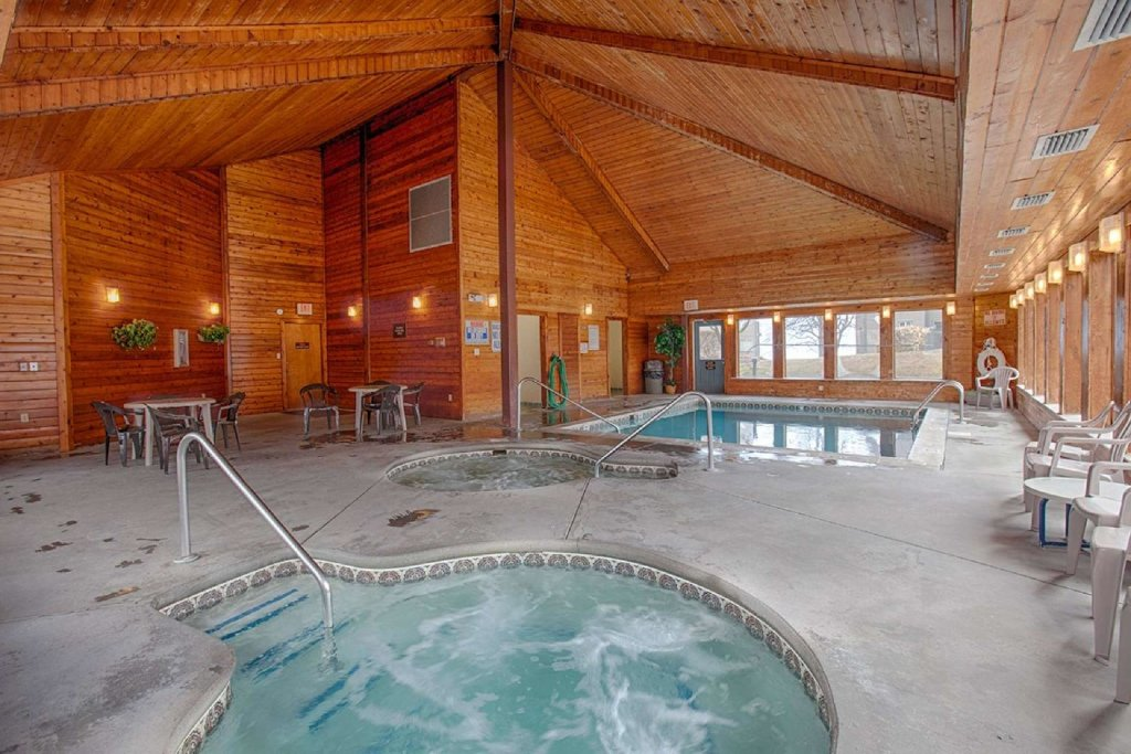 Photo of a Gatlinburg Cabin named Ez~days Mountain View Condo At The Summit - This is the sixteenth photo in the set.