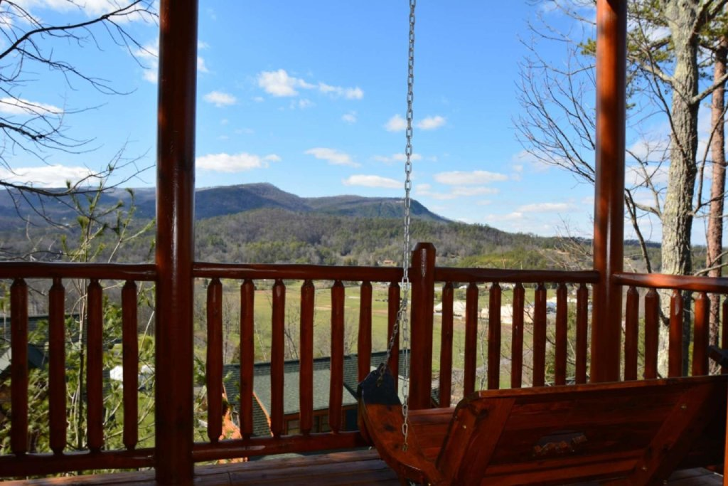 Photo of a Sevierville Cabin named Smoky Mountain Haven - This is the seventh photo in the set.