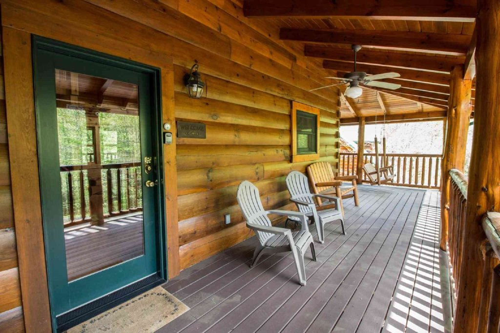 Photo of a Sevierville Cabin named Kozy Getaway - This is the twenty-fourth photo in the set.