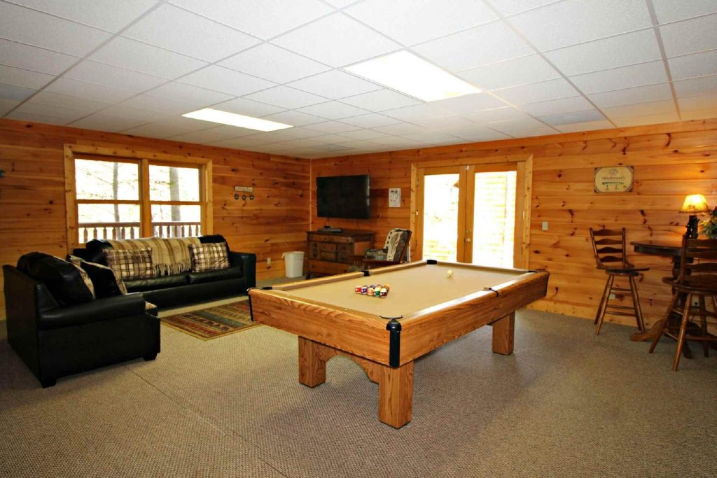Photo of a Sevierville Cabin named Kozy Getaway - This is the twentieth photo in the set.