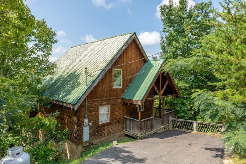 Photo of a Pigeon Forge Cabin named American Beauty - This is the third photo in the set.