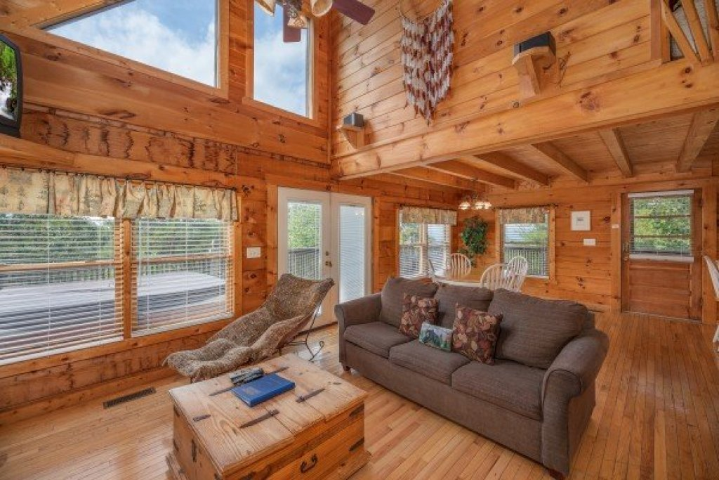 Photo of a Pigeon Forge Cabin named American Beauty - This is the fourth photo in the set.