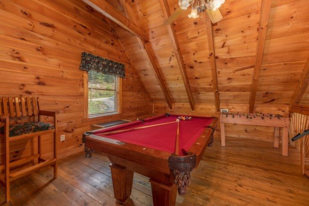 Photo of a Pigeon Forge Cabin named American Beauty - This is the twenty-first photo in the set.