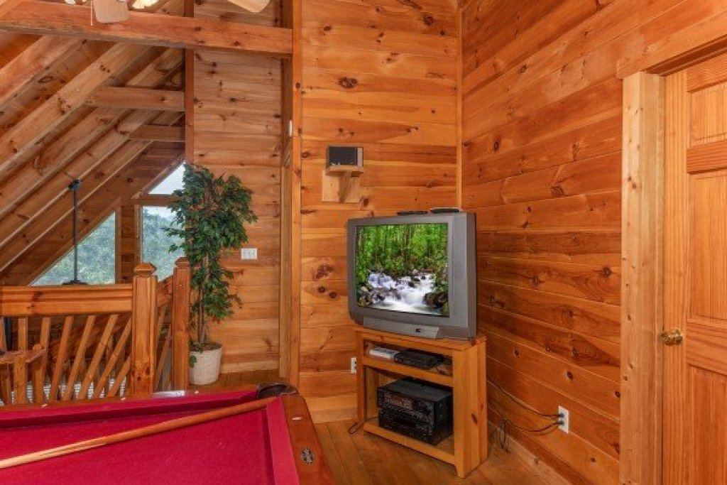 Photo of a Pigeon Forge Cabin named American Beauty - This is the twenty-second photo in the set.