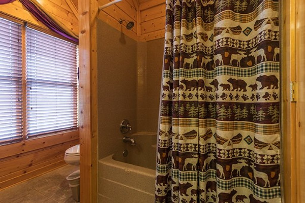 Photo of a Sevierville Cabin named Grand Timber Lodge - This is the thirteenth photo in the set.