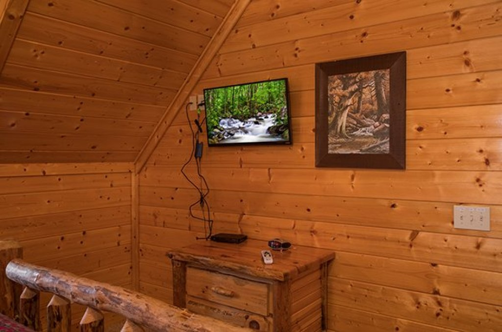 Photo of a Sevierville Cabin named Grand Timber Lodge - This is the twenty-fourth photo in the set.