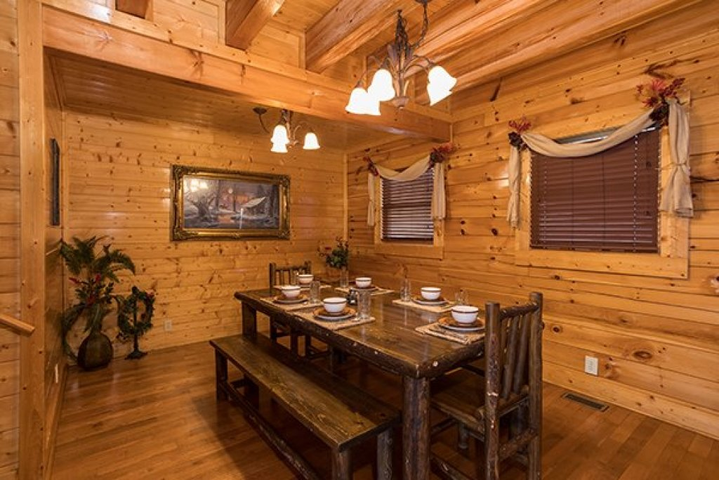 Photo of a Sevierville Cabin named Grand Timber Lodge - This is the sixth photo in the set.