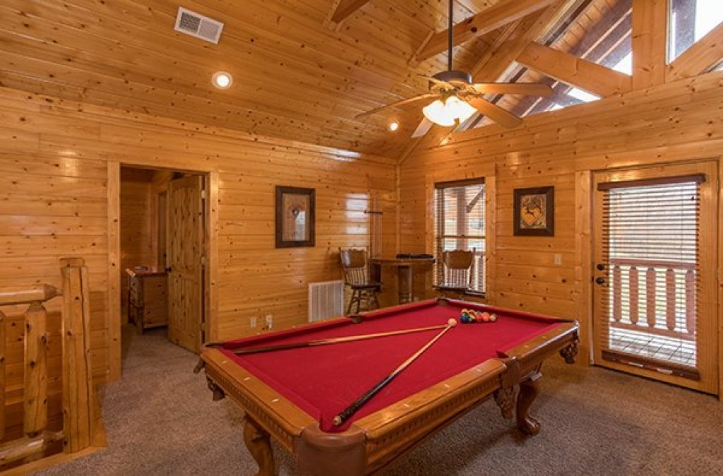 Photo of a Sevierville Cabin named Grand Timber Lodge - This is the twentieth photo in the set.