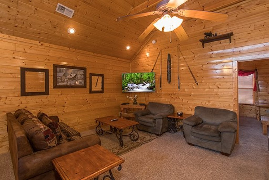 Photo of a Sevierville Cabin named Grand Timber Lodge - This is the twenty-first photo in the set.