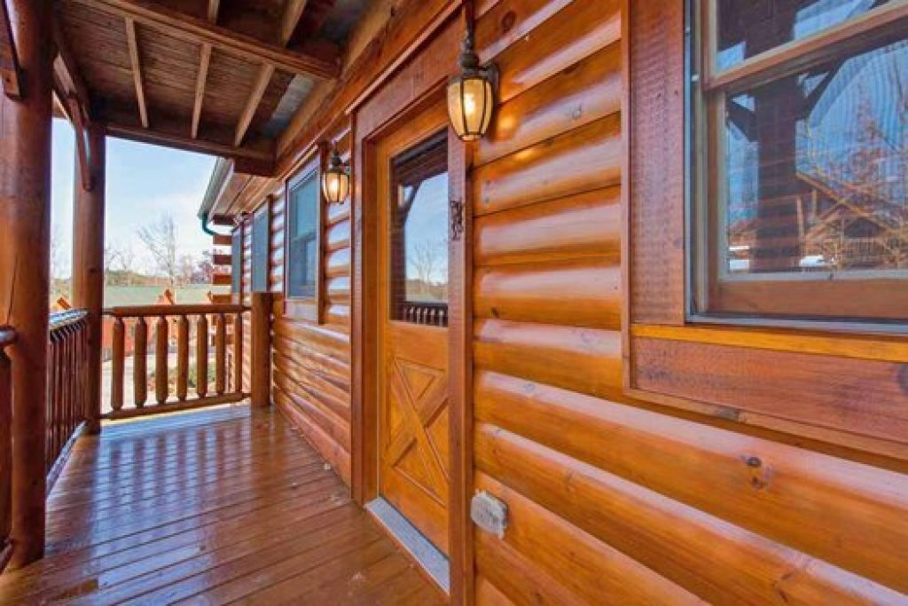 Photo of a Sevierville Cabin named Grand Timber Lodge - This is the thirty-sixth photo in the set.