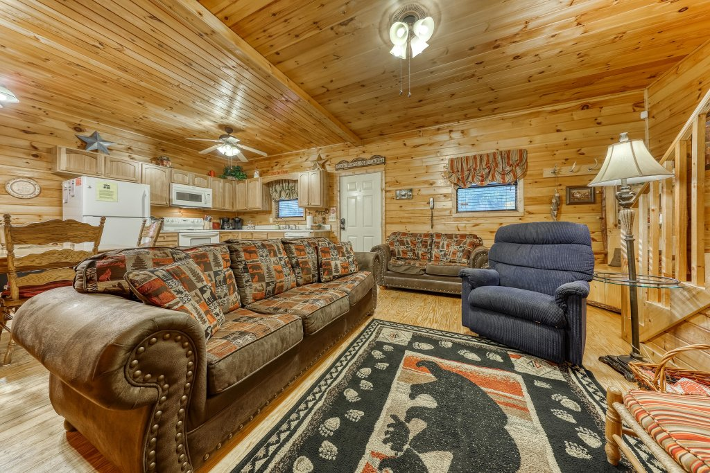 Photo of a Pigeon Forge Cabin named Dixie Delight Cabin - This is the sixth photo in the set.