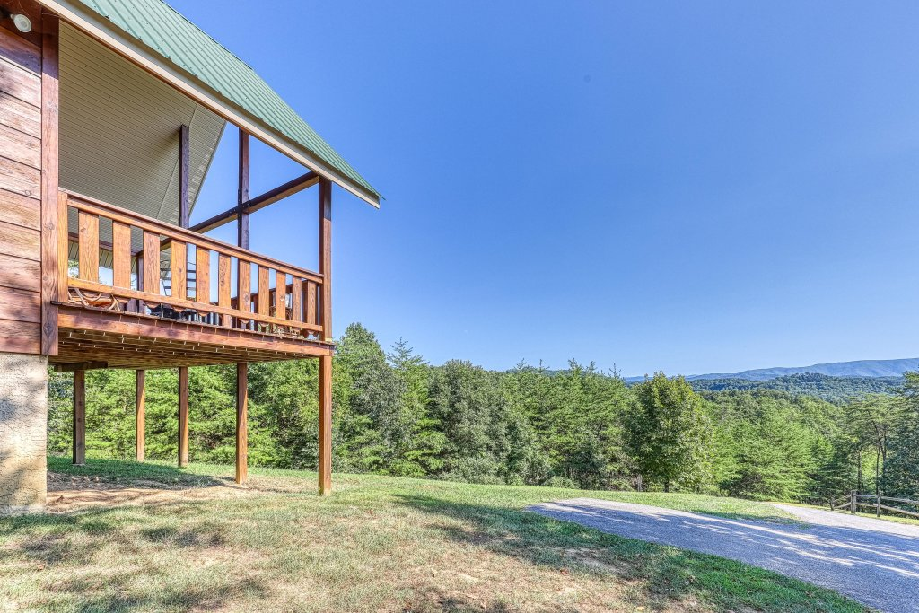 Photo of a Sevierville Cabin named Awesome View Cabin - This is the thirtieth photo in the set.