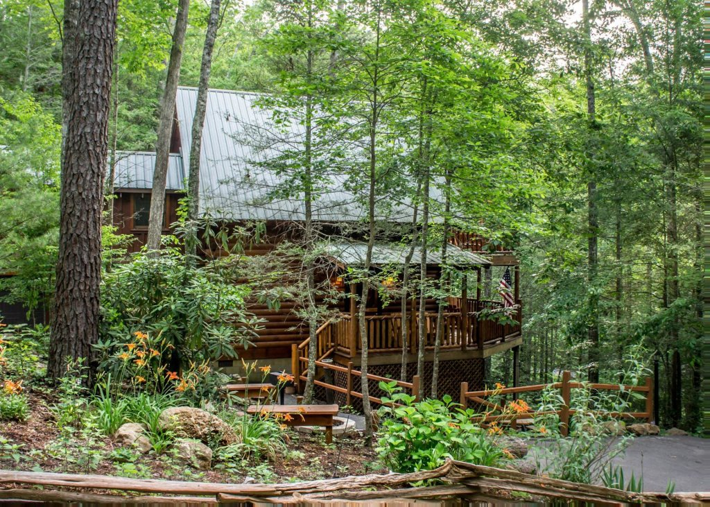 Photo of a Pigeon Forge Cabin named In The Pines #13 - This is the twentieth photo in the set.
