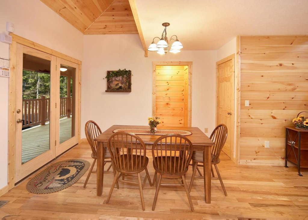 Photo of a Pigeon Forge Cabin named Cherokee Lodge - This is the sixth photo in the set.