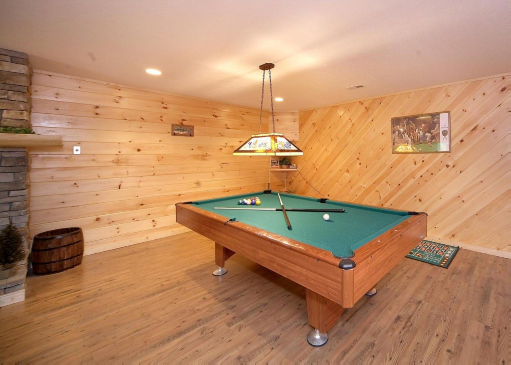 Photo of a Pigeon Forge Cabin named Cherokee Lodge - This is the fourteenth photo in the set.