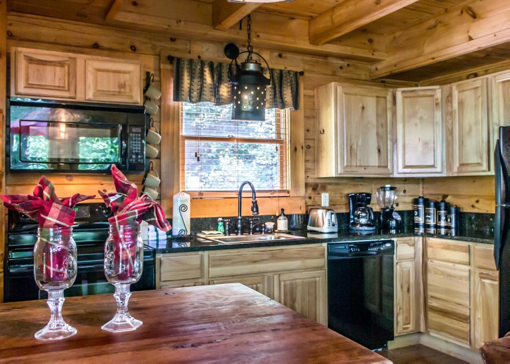 Photo of a Sevierville Cabin named Higher Ground #21 - This is the sixth photo in the set.