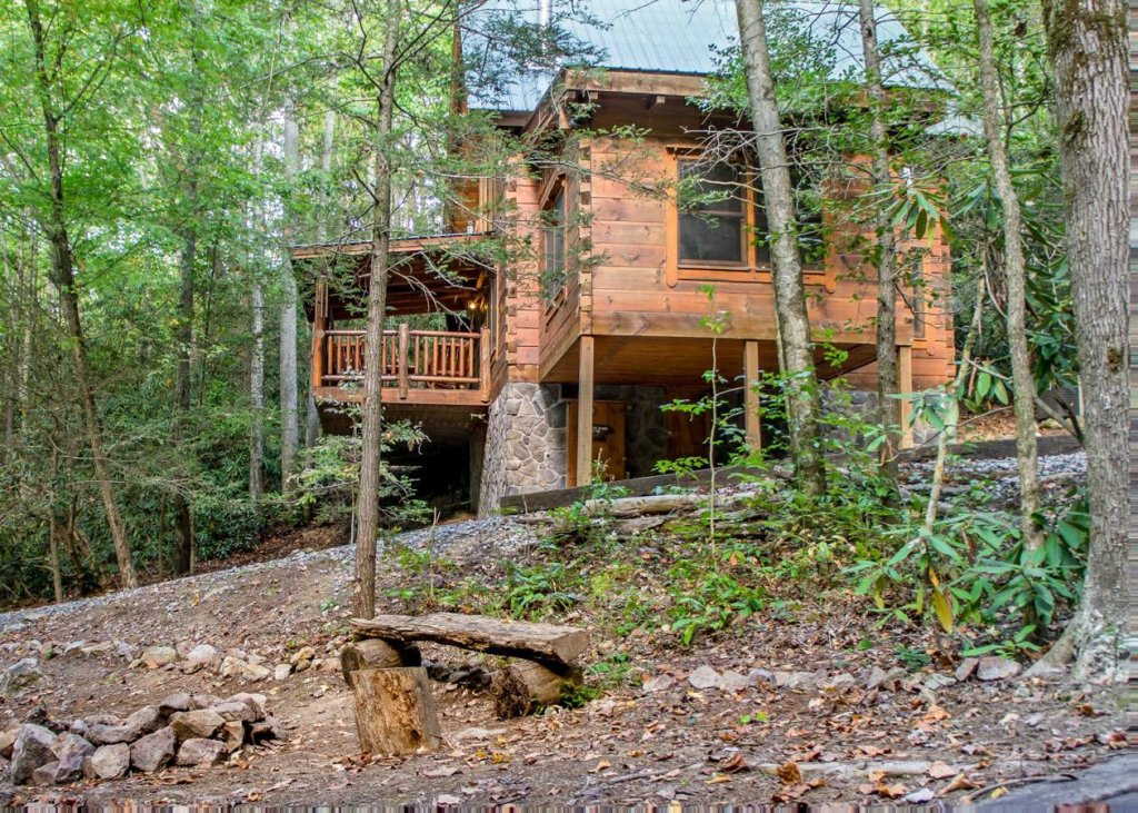 Photo of a Sevierville Cabin named Bear Paw Trail #15 - This is the twenty-sixth photo in the set.