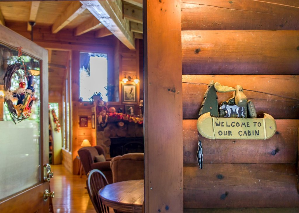 Photo of a Sevierville Cabin named Amazing Grace #25 - This is the fifth photo in the set.