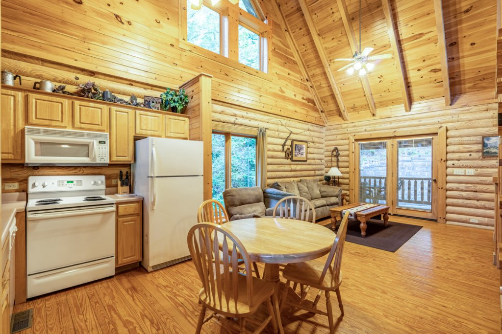 Photo of a Sevierville Cabin named Bear Naked - This is the fifth photo in the set.
