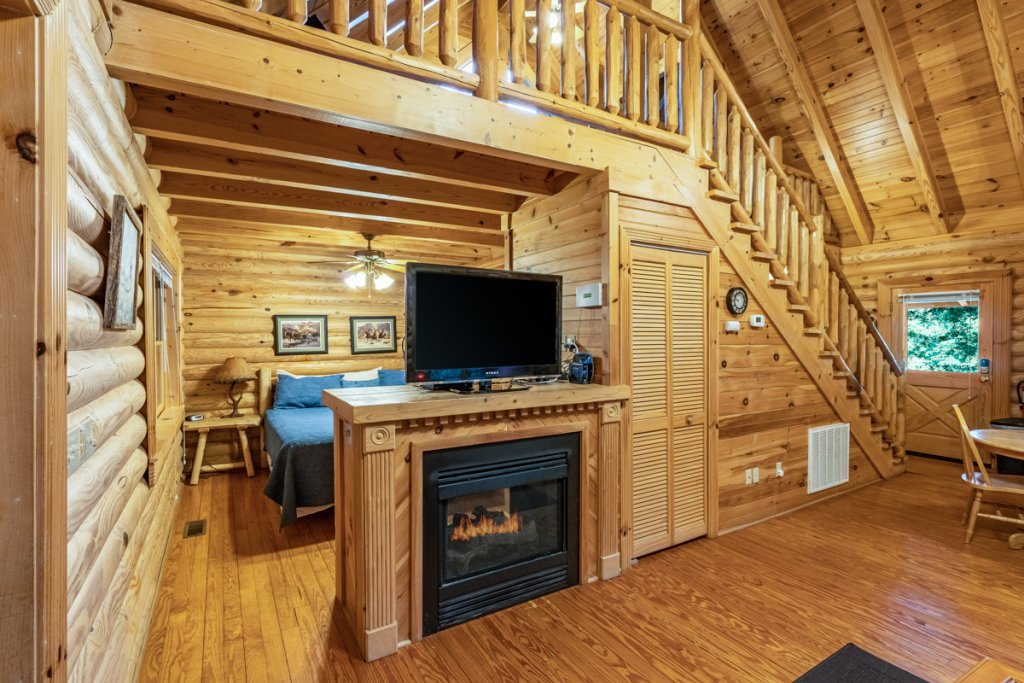 Photo of a Sevierville Cabin named Bear Naked - This is the ninth photo in the set.