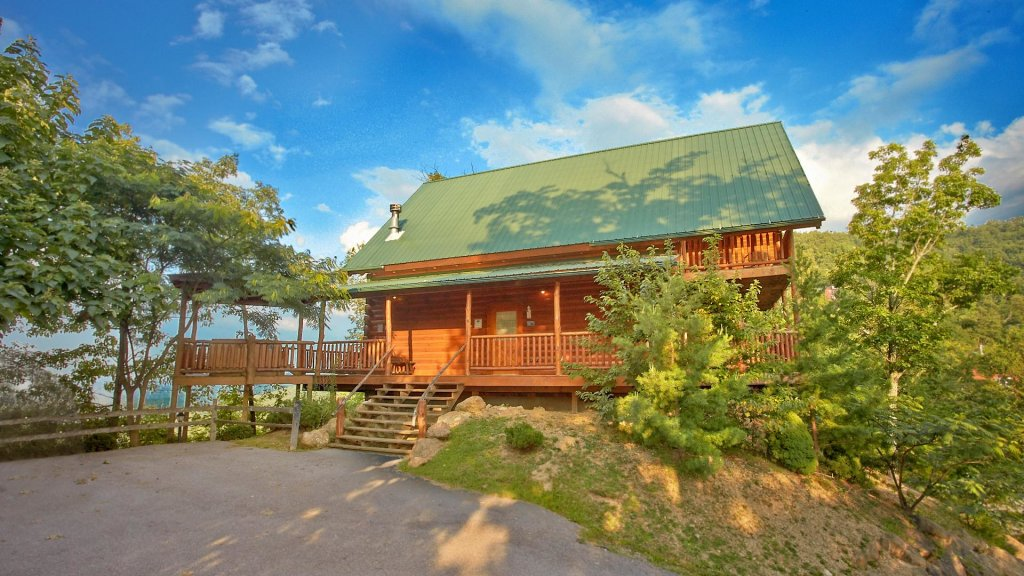 Photo of a Pigeon Forge Cabin named Buck's Lookout #39 - This is the second photo in the set.