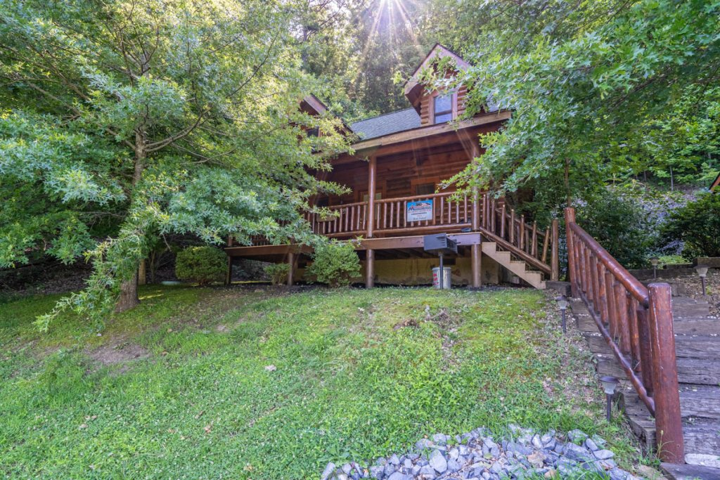 Photo of a Sevierville Cabin named Bear Naked - This is the twenty-seventh photo in the set.