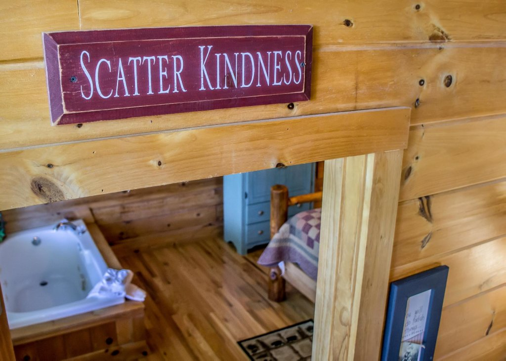 Photo of a Sevierville Cabin named Amazing Grace #25 - This is the eighteenth photo in the set.