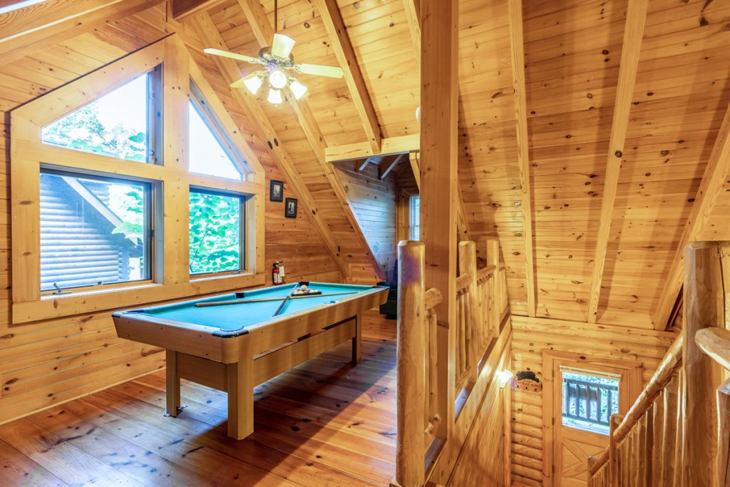 Photo of a Sevierville Cabin named Bear Naked - This is the eighteenth photo in the set.