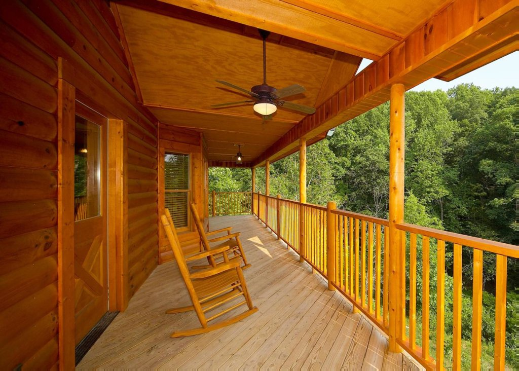 Photo of a Pigeon Forge Cabin named Country Living - This is the second photo in the set.