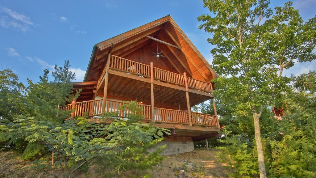 Photo of a Pigeon Forge Cabin named Buck's Lookout #39 - This is the third photo in the set.