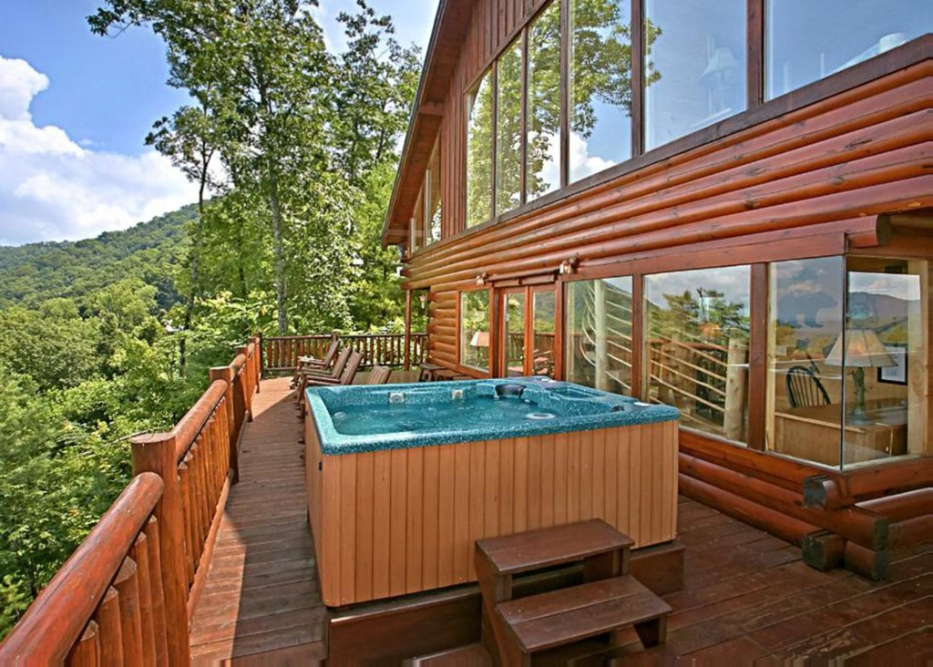 Photo of a Sevierville Cabin named Above It All #38 - This is the twentieth photo in the set.