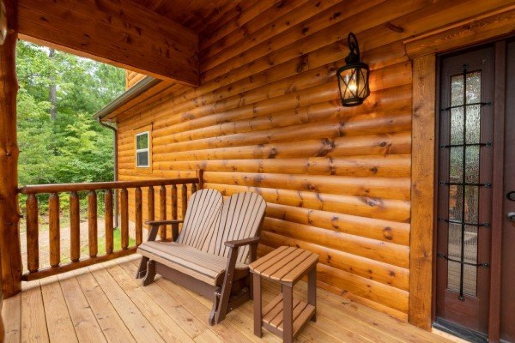Photo of a Gatlinburg Cabin named Floor'd By The View - This is the fourth photo in the set.