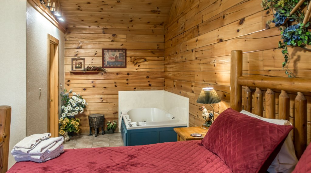 Photo of a Sevierville Cabin named A Hen House - This is the fifteenth photo in the set.