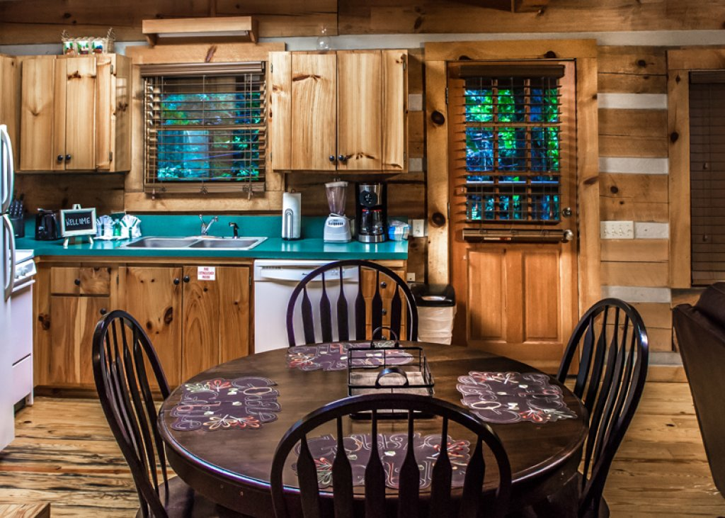 Photo of a Gatlinburg Cabin named Hatfield Hideaway - This is the nineteenth photo in the set.