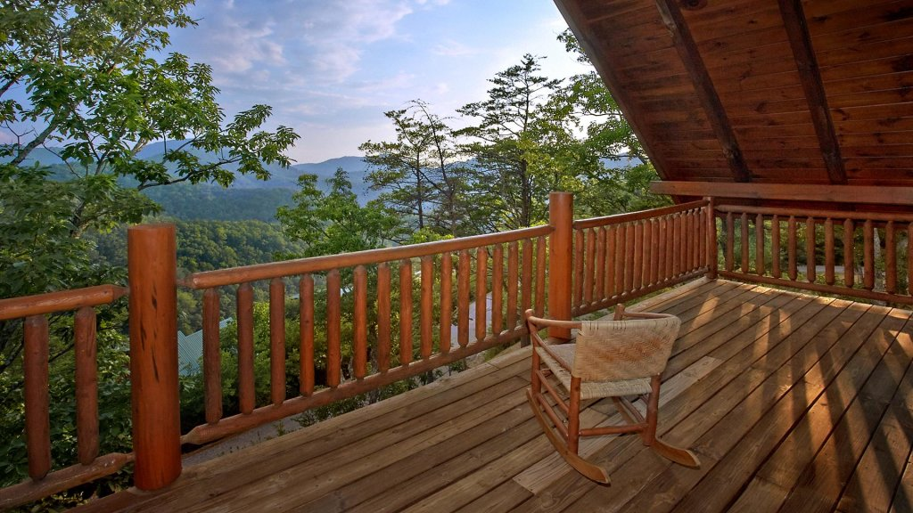 Photo of a Pigeon Forge Cabin named Buck's Lookout #39 - This is the seventeenth photo in the set.