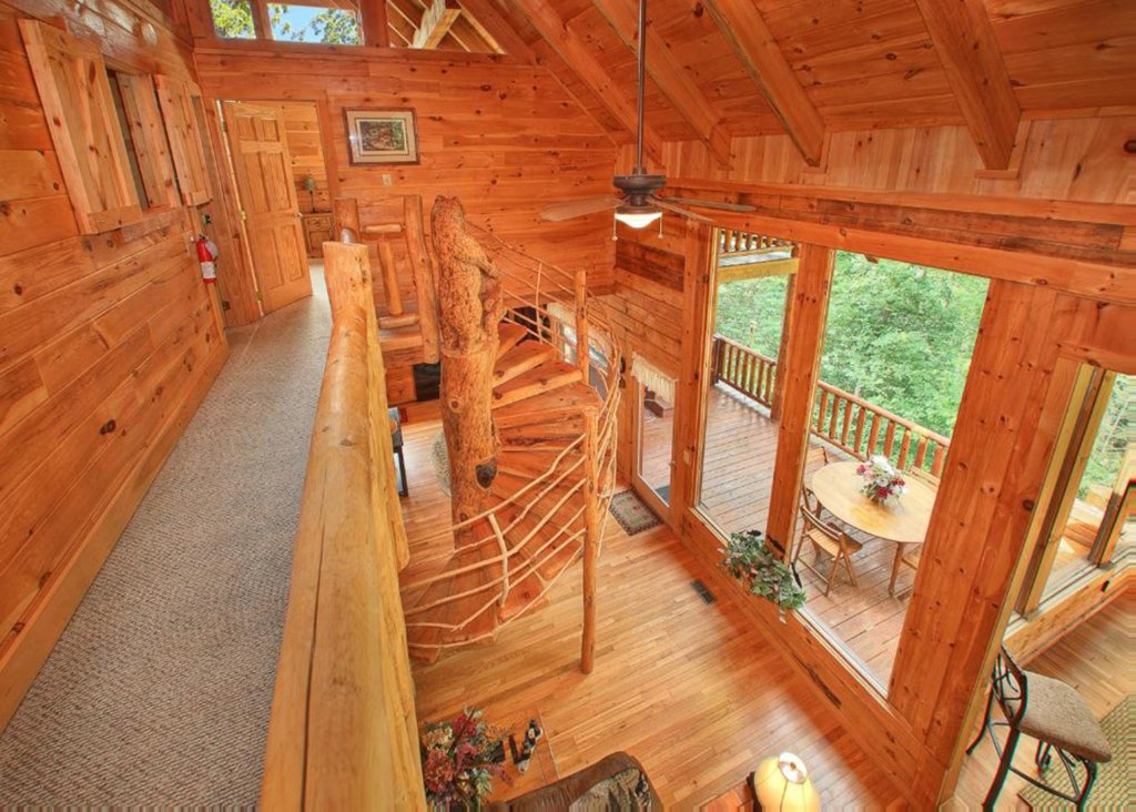Photo of a Sevierville Cabin named Bear Extraordinaire #28 - This is the ninth photo in the set.