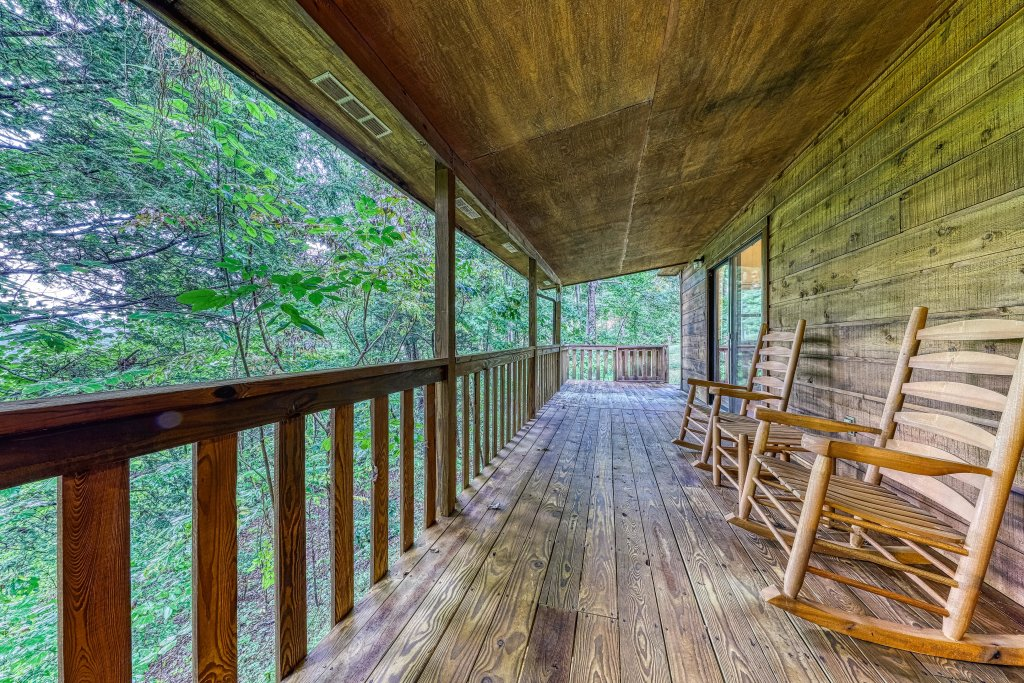 Photo of a Sevierville Cabin named Smoky Bear Hideout - This is the first photo in the set.