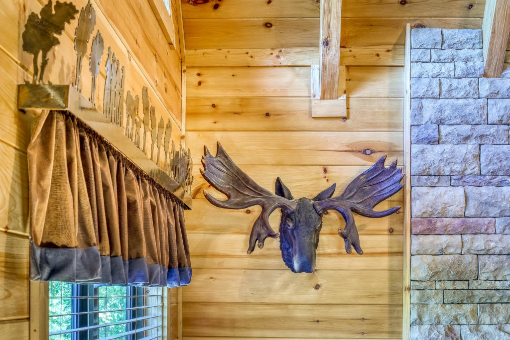 Photo of a Sevierville Cabin named Rainbow Falls - This is the eighth photo in the set.