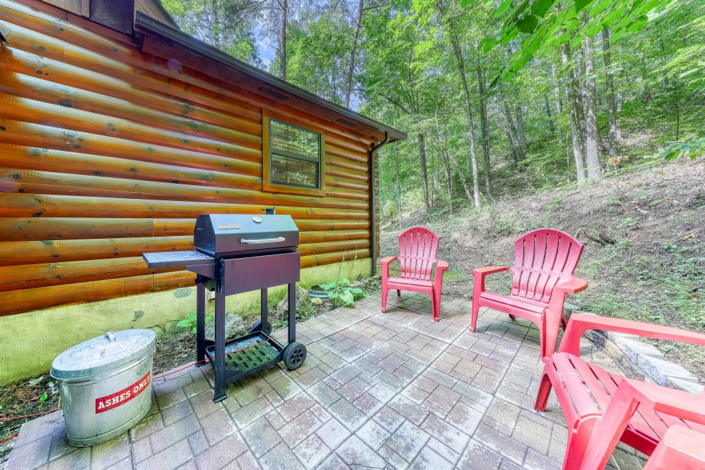 Photo of a Sevierville Cabin named Playin' Hookie - This is the thirty-third photo in the set.