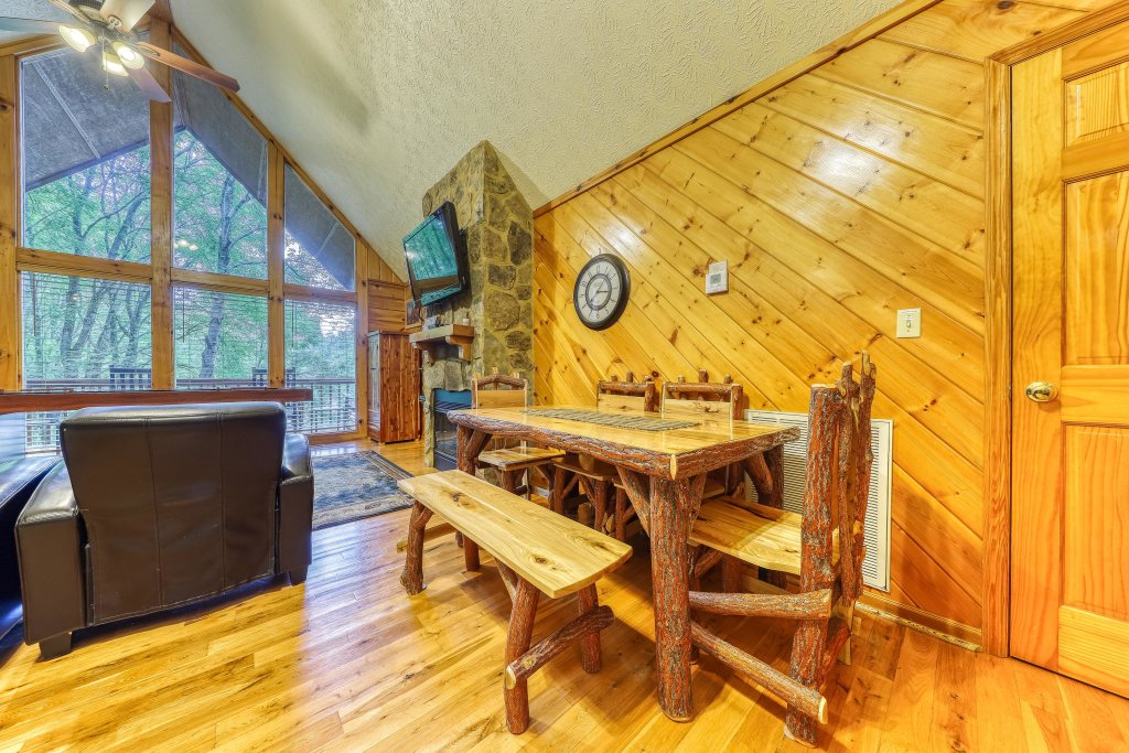 Photo of a Sevierville Cabin named Playin' Hookie - This is the fourteenth photo in the set.