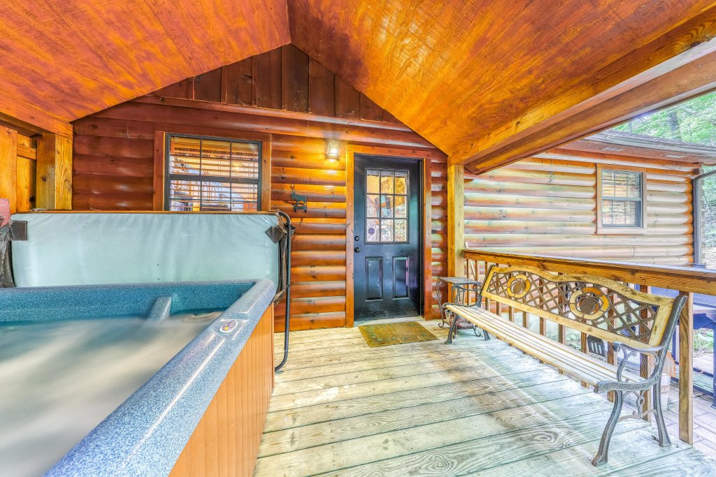 Photo of a Sevierville Cabin named Playin' Hookie - This is the third photo in the set.