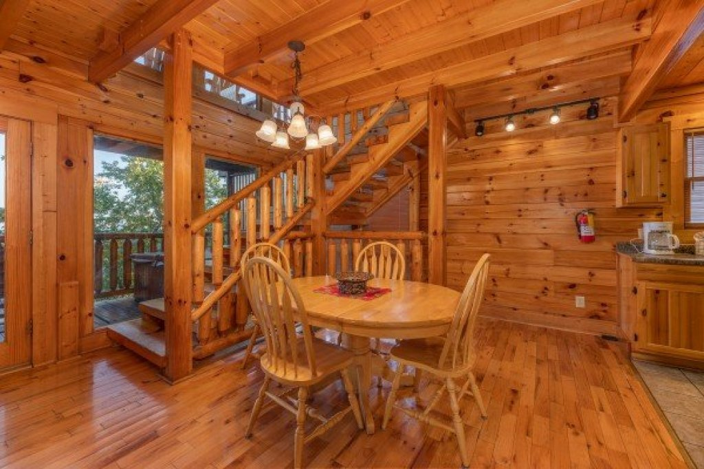 Photo of a Sevierville Cabin named Rocky Top Retreat - This is the fourth photo in the set.
