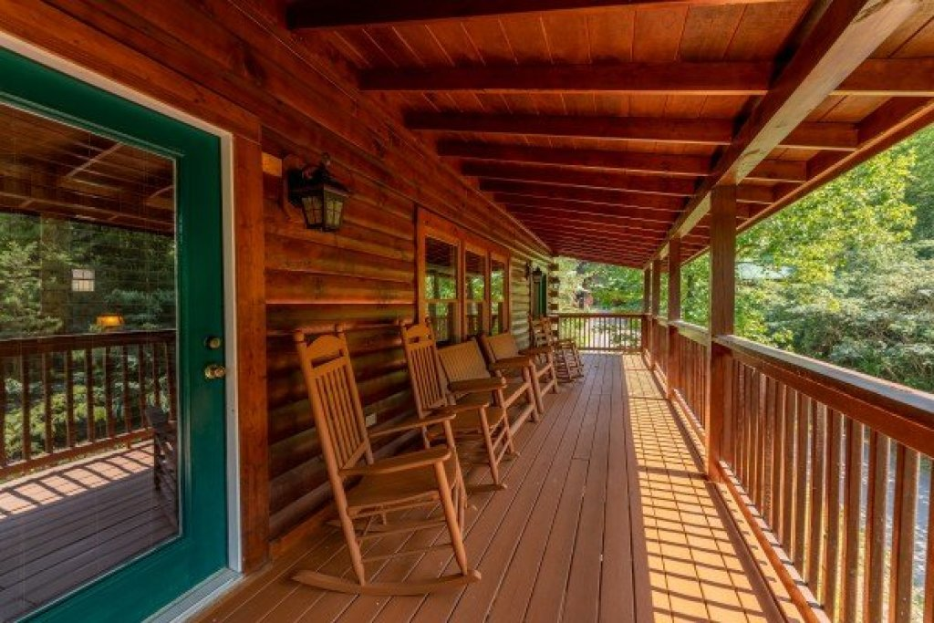 Photo of a Pigeon Forge Cabin named American Charm - This is the twenty-ninth photo in the set.