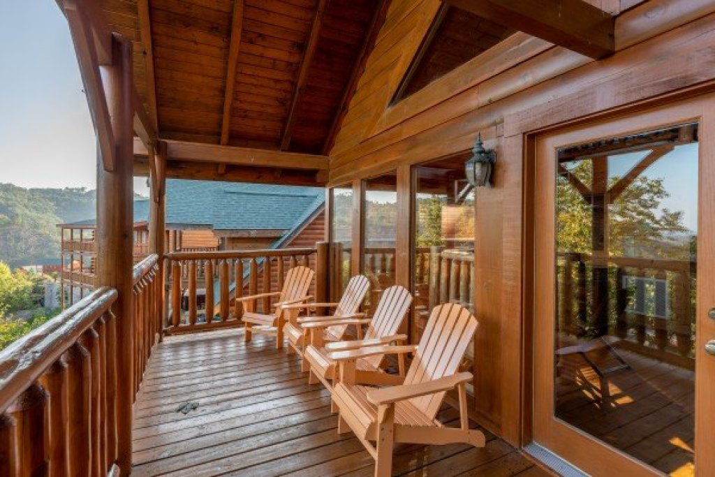 Photo of a Sevierville Cabin named Rocky Top Retreat - This is the twenty-second photo in the set.