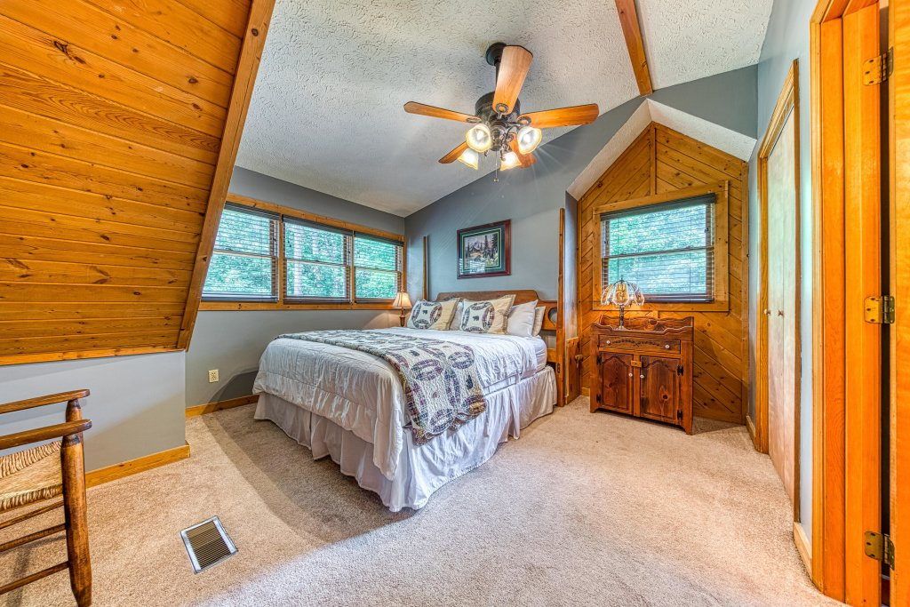 Photo of a Sevierville Cabin named Black Bear Bungalow - This is the twenty-third photo in the set.