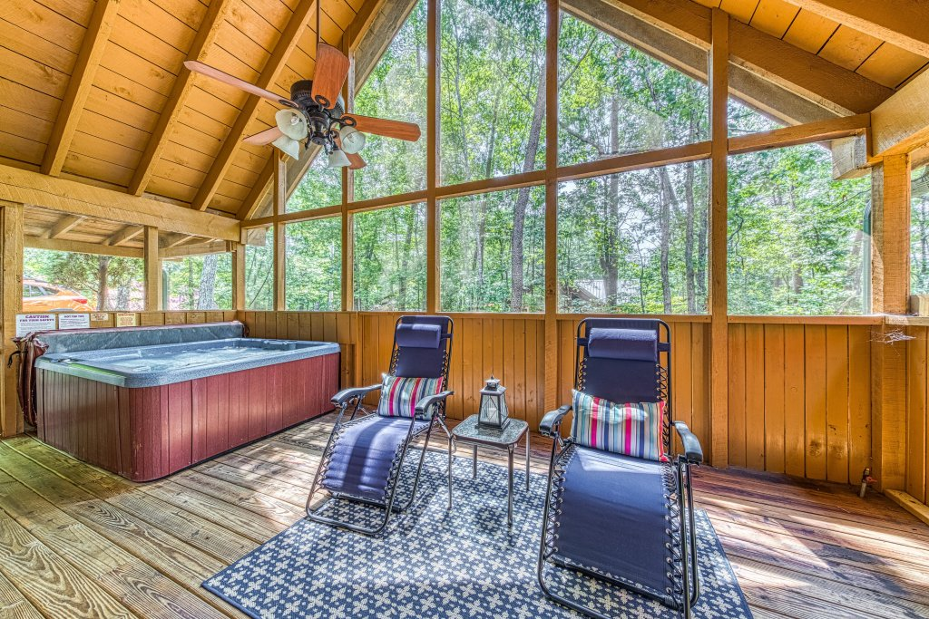 Photo of a Sevierville Cabin named Black Bear Bungalow - This is the thirty-first photo in the set.