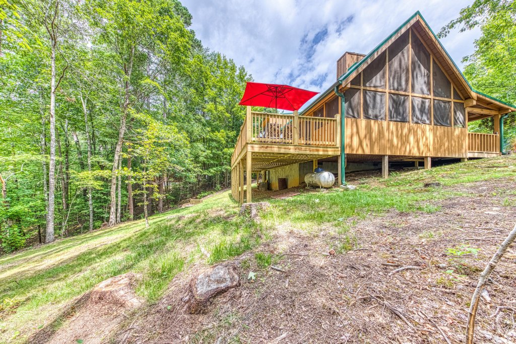 Photo of a Sevierville Cabin named Black Bear Bungalow - This is the thirty-seventh photo in the set.