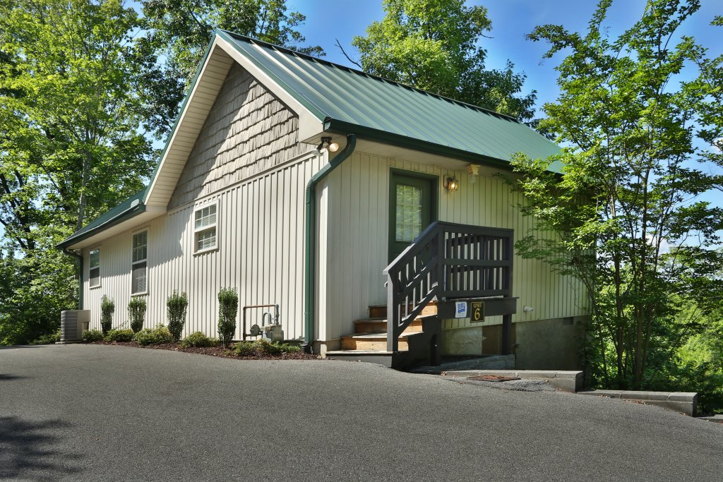 Photo of a Pigeon Forge Chalet named Pine Needles (#6) - This is the first photo in the set.