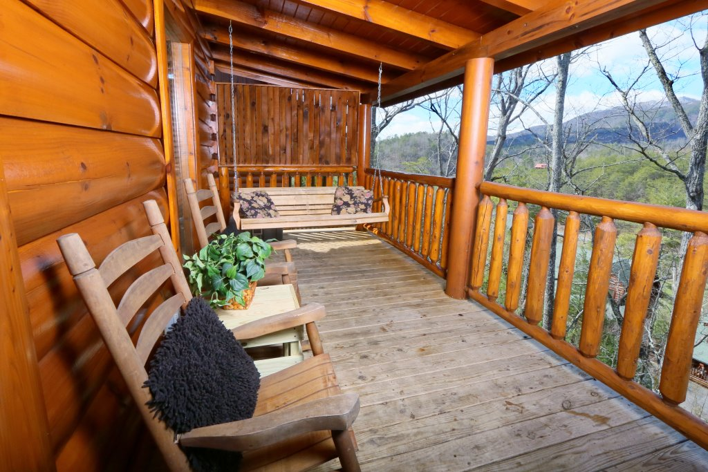 Photo of a Sevierville Cabin named Wild Adventures - This is the third photo in the set.